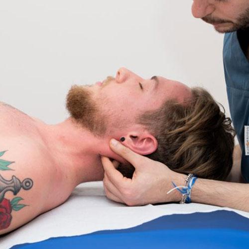 l-drenaggio-linfatico-di-testa-e-collo-attraverso-il-trattamento-manipolativo-osteopatico-dottor-antonio-di-presa-podologia-osteopata-articolo-osteopatia-cronica